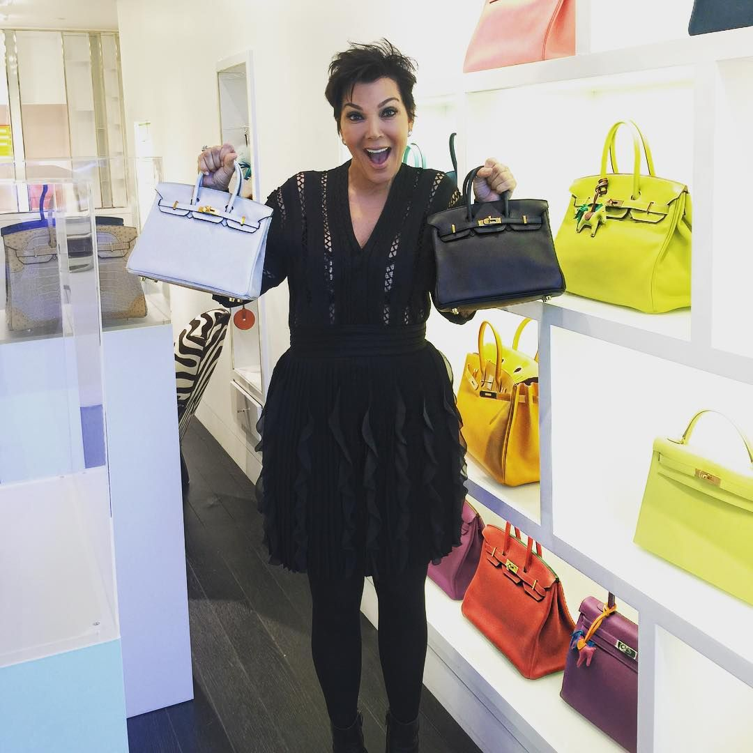 In Aspen for ART CRUSH and discovered my new obsession...Prive Porter's first store!!! I LOVE my new baby Hermes Birkin Bags. So happy to find @priveporter !!!! FOLLOW THEM DOLLS, THEY HAVE THE BEST SELECTION OF HARD TO FIND BIRKIN BAGS EVER! #HERMES #BIRKIN #ASPEN #PRIVEPORTER #PRIVEPOTERASPEN #PARTYBIRKIN #BLESSED