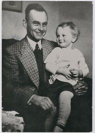 Witold Pilecki with his nephew, not long before volunteering to enter Auschwitz as a prisoner in 1940. His astounding choice was made within, and for, Poland's anti-Nazi underground.(NYTimes.com)