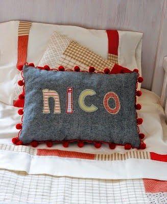 Cojines con nombre cojines infantiles decoraci n for Cojines con nombres bordados