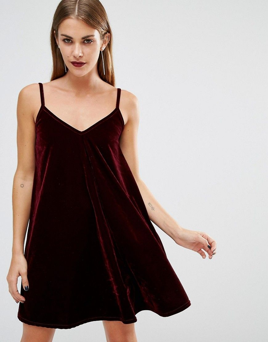 The Velvet Trend Is Huge This Fall Some Of Our Favourite Fashion Bloggers Are Already On It And We Re Pretty Confident Y Modestil Rotes Samtkleid Swing Kleid