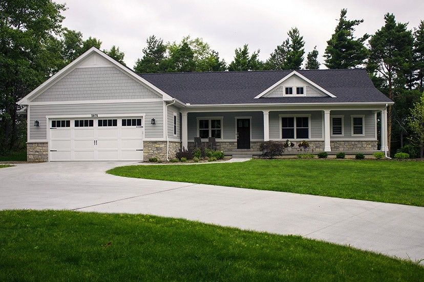 Ranch Style House Plan 3 Beds 2 5 Baths 3588 Sq Ft Plan 928 2 Ranch House Exterior Basement House Plans Ranch Style Homes