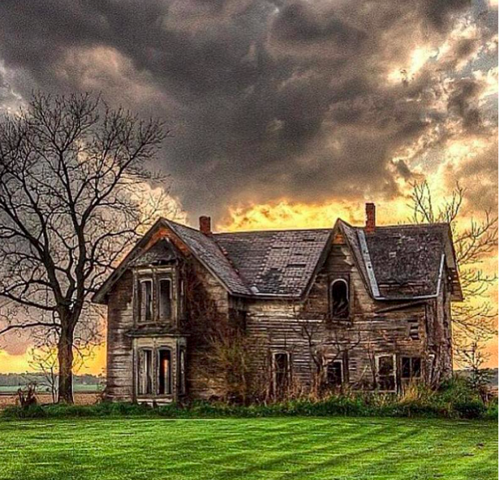 Storm Over Old Abandoned Farm House In Ontario