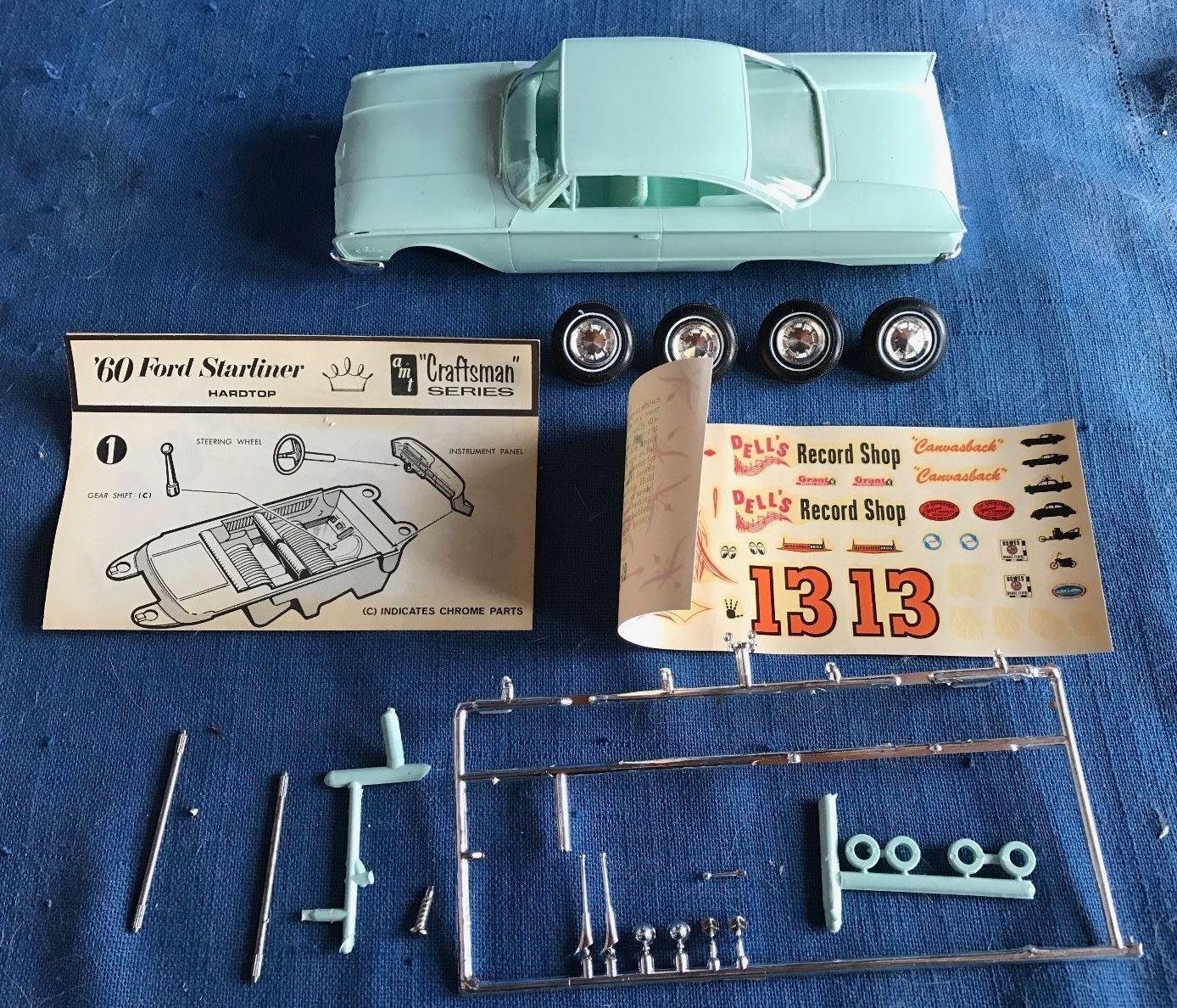 AMT 1960 Ford Galaxie Starliner Hardtop Vintage Screw