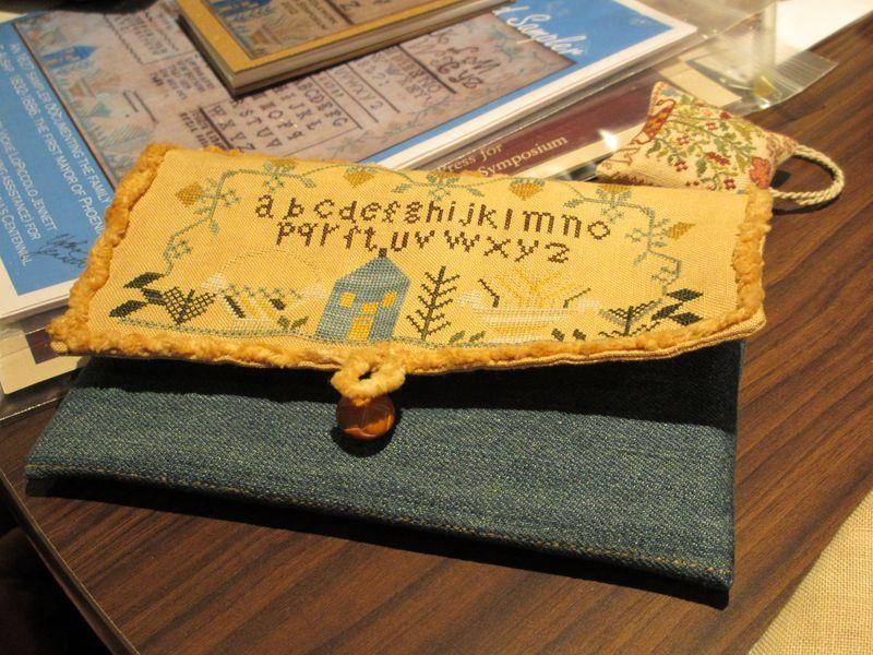 Arizona Sampler Symposium Piece Beautiful Needlework Cross Stitch Yellow Case