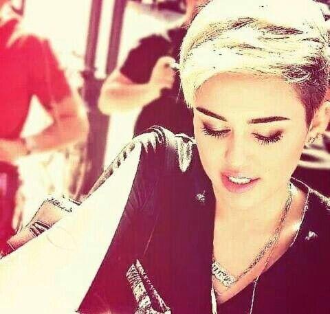 Smiler 4ever  #Miley #23 #queen #smiler #forever