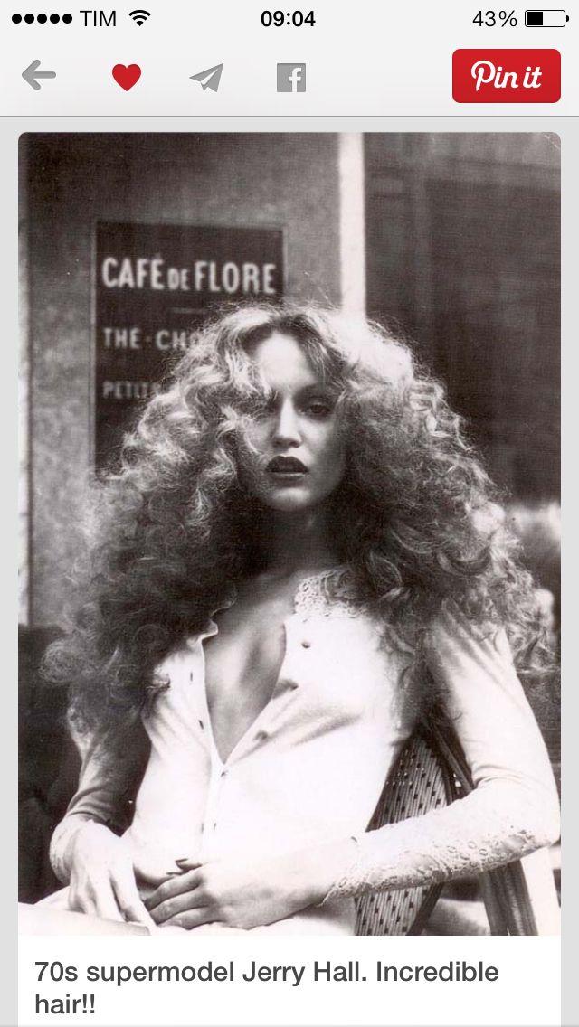 Melikeit 70s haar, Große frisuren, Haar styling