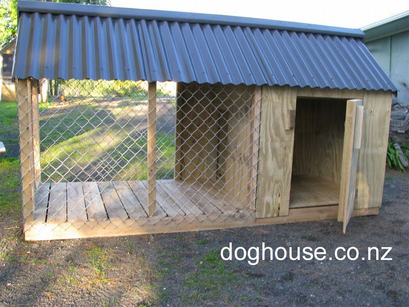 Dog house outdoor dog puppy houses kennels and runs for Dog run outdoor kennel house