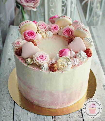 Eine Torte fr standesamtliche Hochzeit schweinfurt cakesworld_co wrzburg hochzeitstorte