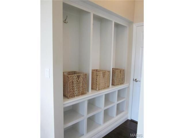 Mudroom Storage Baskets : Built ins mudroom storage cubbies baskets hooks