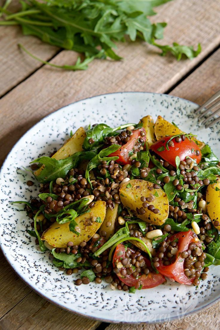 Photo of Saturating baked potato salad with lentils, tomatoes and arugula