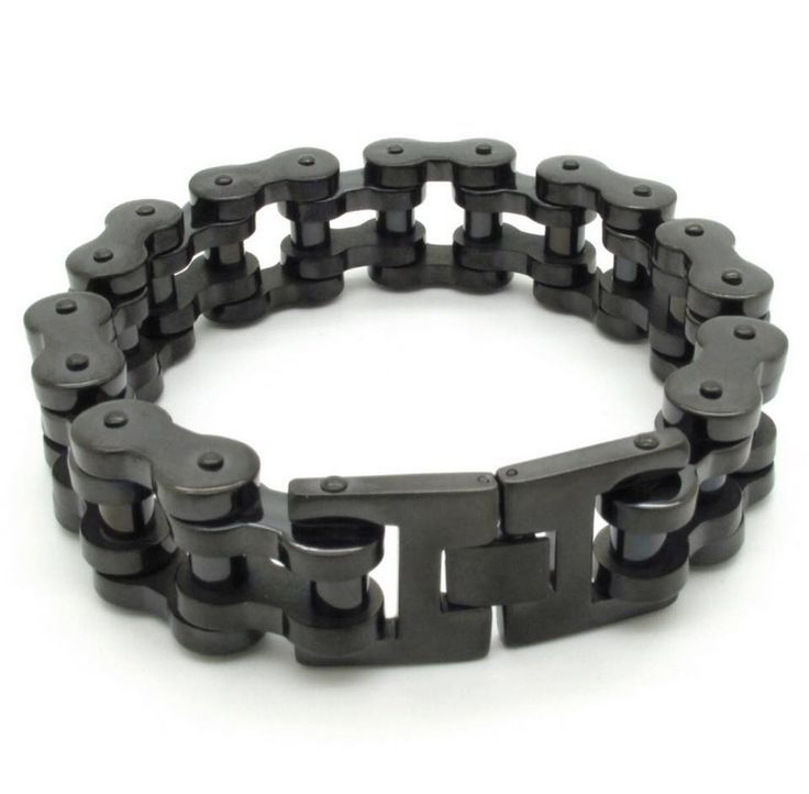 This gorgeous bracelet for men is one of our top sellers! Its 100% Stainless Steel, weight 146g and is 23cm in length, a very high quality motorcycle chain bracelet for men. Us bikers love this type o