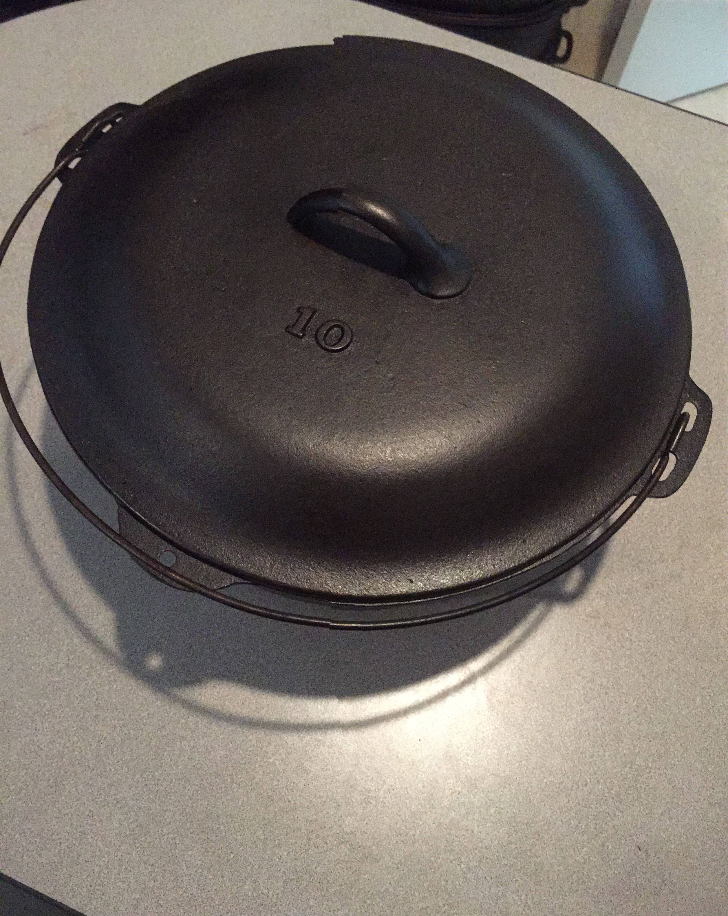 Unknown Raised No 10 Dutch Oven Cast Iron Cooking Cast Iron Cookware Griswold Cast Iron