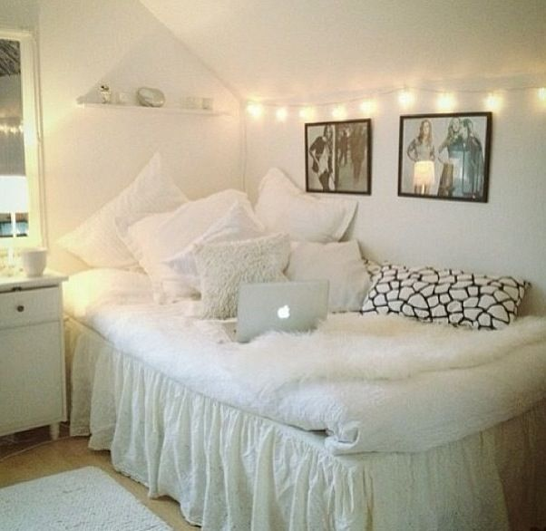 Black, White and Gold Color Scheme Interiors (24 photos ... |Cute White Teenager Rooms