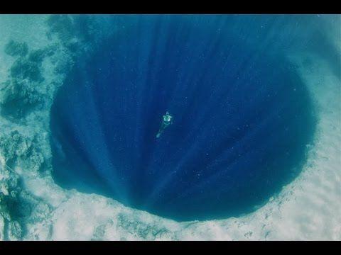 Videos Asombrosos 1 Los 7 Agujeros Mas Misteriosos En La Tierra Agujero Azul Agujeros En La Tierra Fenomenos Naturales
