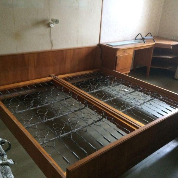 Schreiner Frankfurt biete hier ein doppelbett an wurde in den 50er jahren einem