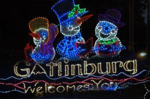 Christmas in the Smoky Mountains: Best 3 Ways to See Holiday Lights