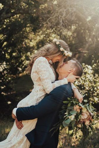 Check Out These Amazing Wedding Poses Ideas! | Wedding Forward