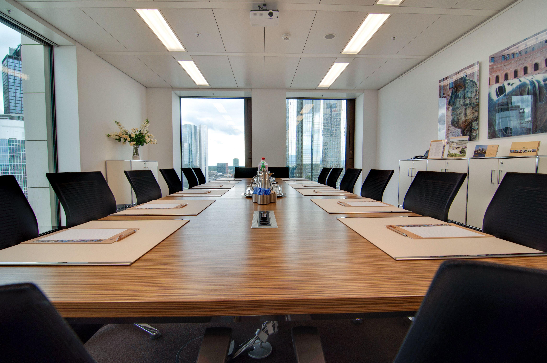 In den stilvollen und modernen Büroräumen des Excellent Business ...