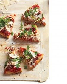 sausage & arugula pizza