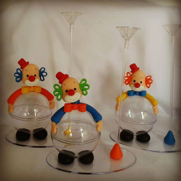 """Enfeite de mesa """"Palhaço"""" com suporte para balão.  *Pedido mínimo de 6 unidades* R$ 16,90"""