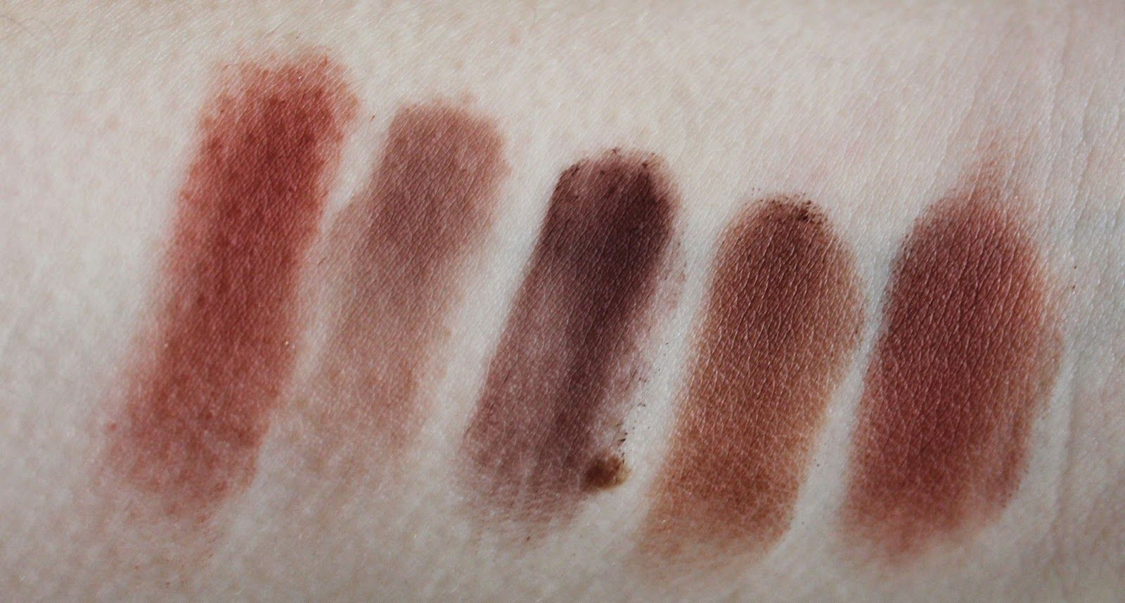 My MakeUp Forever Eyeshadow Palette Swatches & Thoughts
