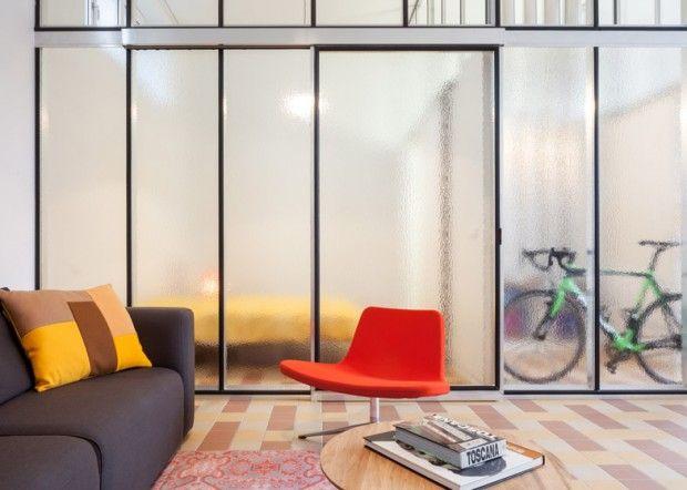 Ancienne Ecole Transformee En Habitations Par Lieven Dejaeghere Journal Du Design Interieur Maison Ancienne Ecole Design