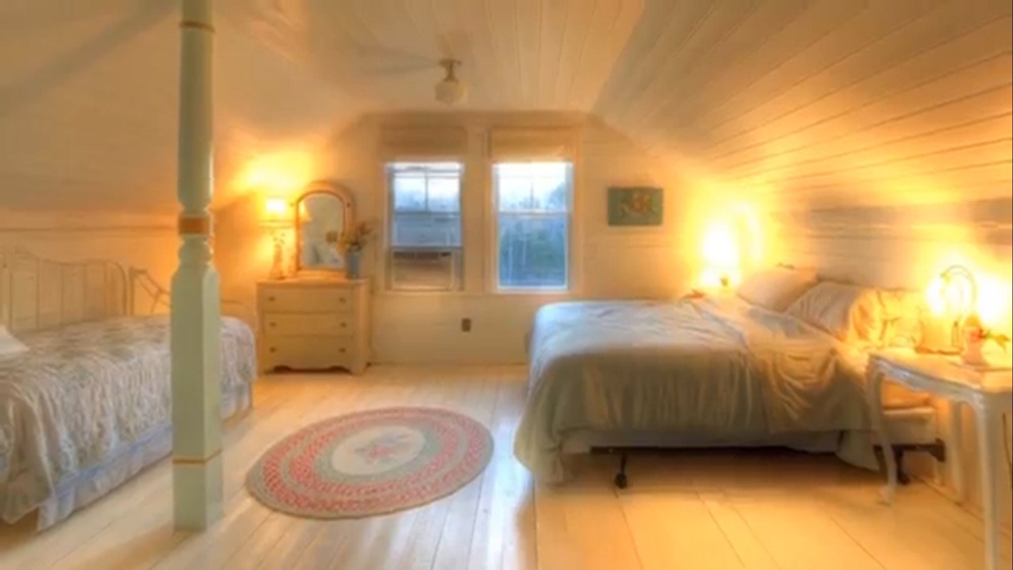 Perfect Attic Bedroom Small House Design Barn House Small Barns