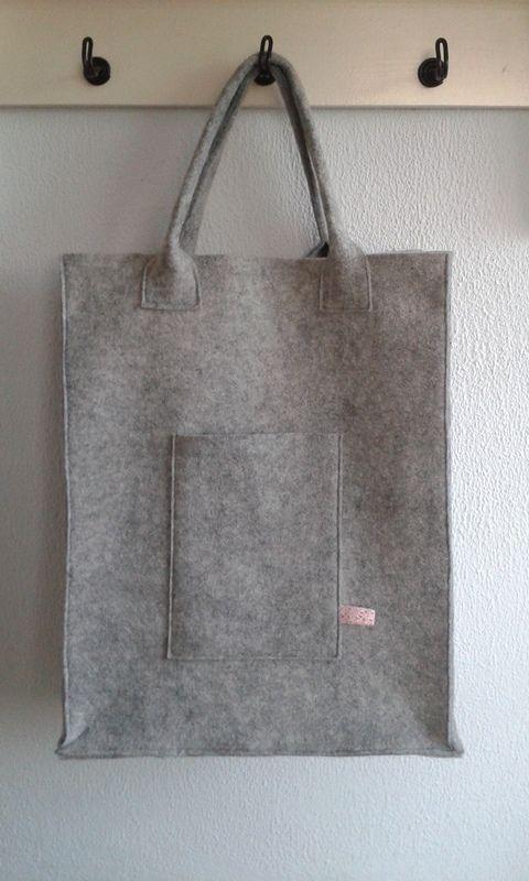 Handgemaakte Vilten Tas : Voorbeeld vilten tas de rode draad creatief