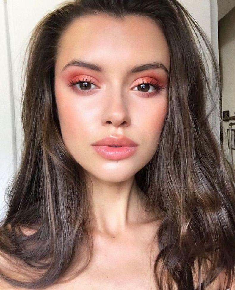 What Makeup Should You Wear How To Makeup Apply Hair Makeup Makeup Looks Beauty Hacks