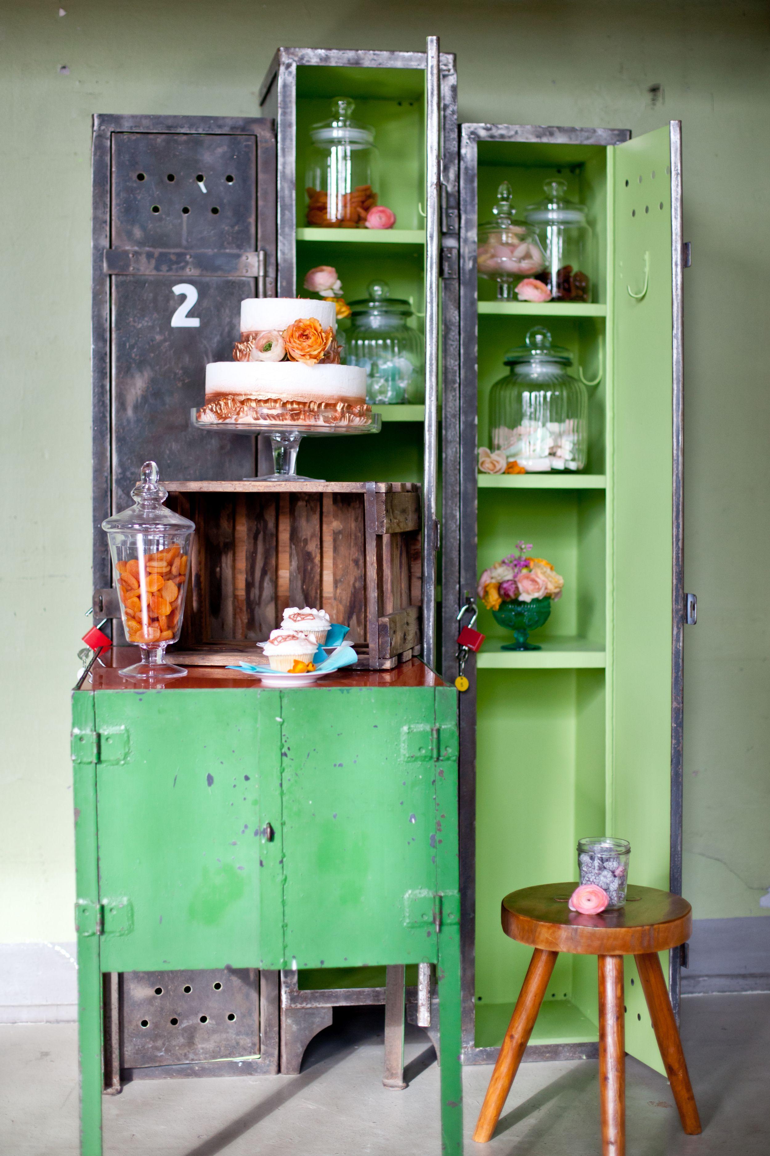 #candybar #hochzeitstorte #weddingcake #sweeties #grün #orange #kupfer  Konzept, Papeterie, Floristik Und Dekoration: ...