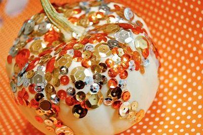 Halloween pumpkin bejeweled:)