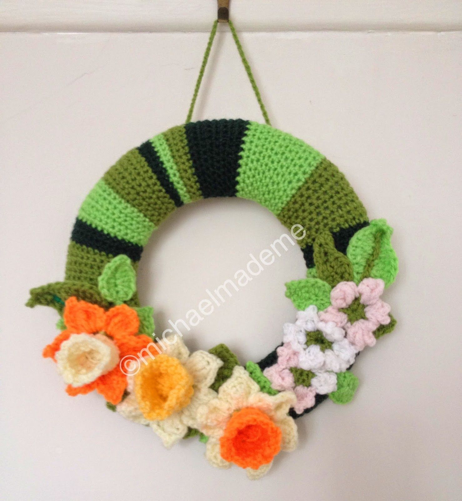 Crochet Spring Wreath Tutorial: michaelmademe