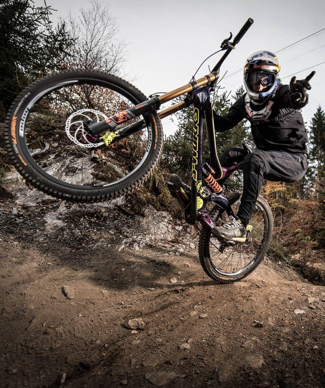 Downhill Wallpaper: Pin By Mario Banda P On Mountain Bike