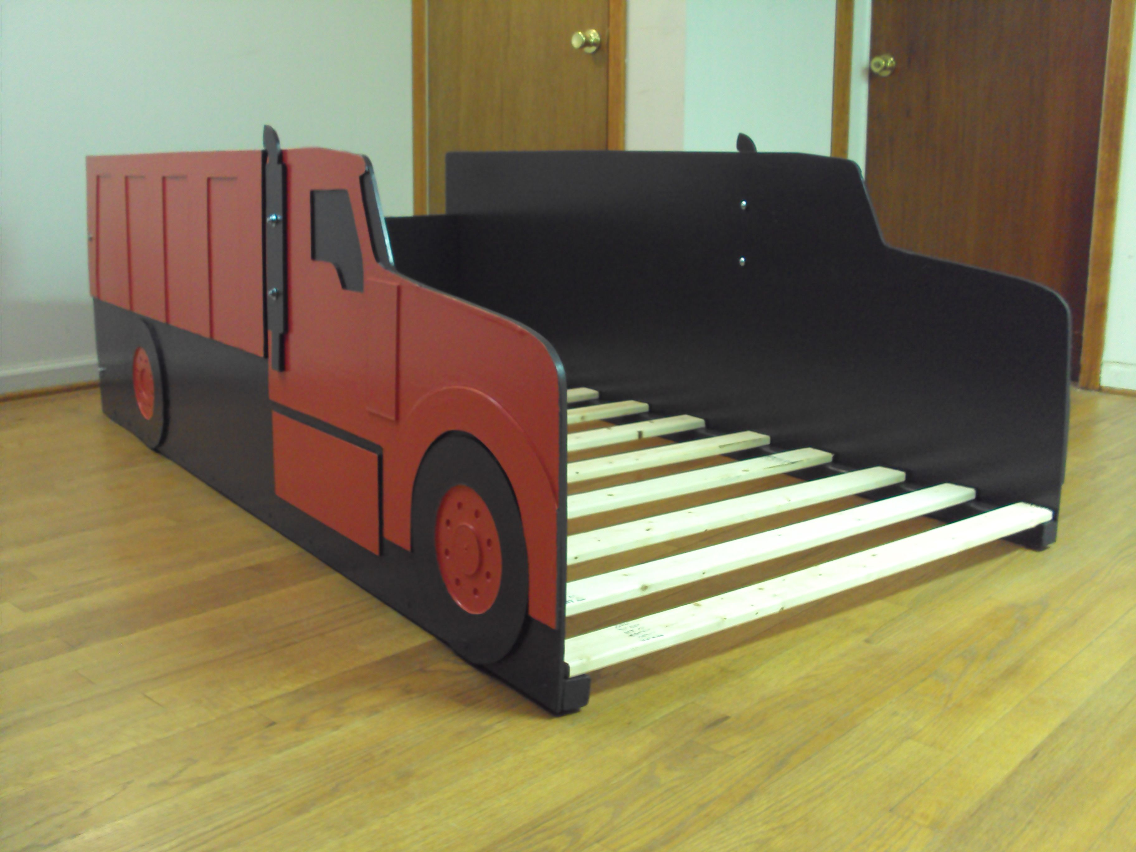 Red dump truck bed (With images) Dump truck bedding, Bed