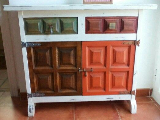 Mueble de entrada restaurado con pintura a la tiza blanca for Pintura satinada blanca para puertas