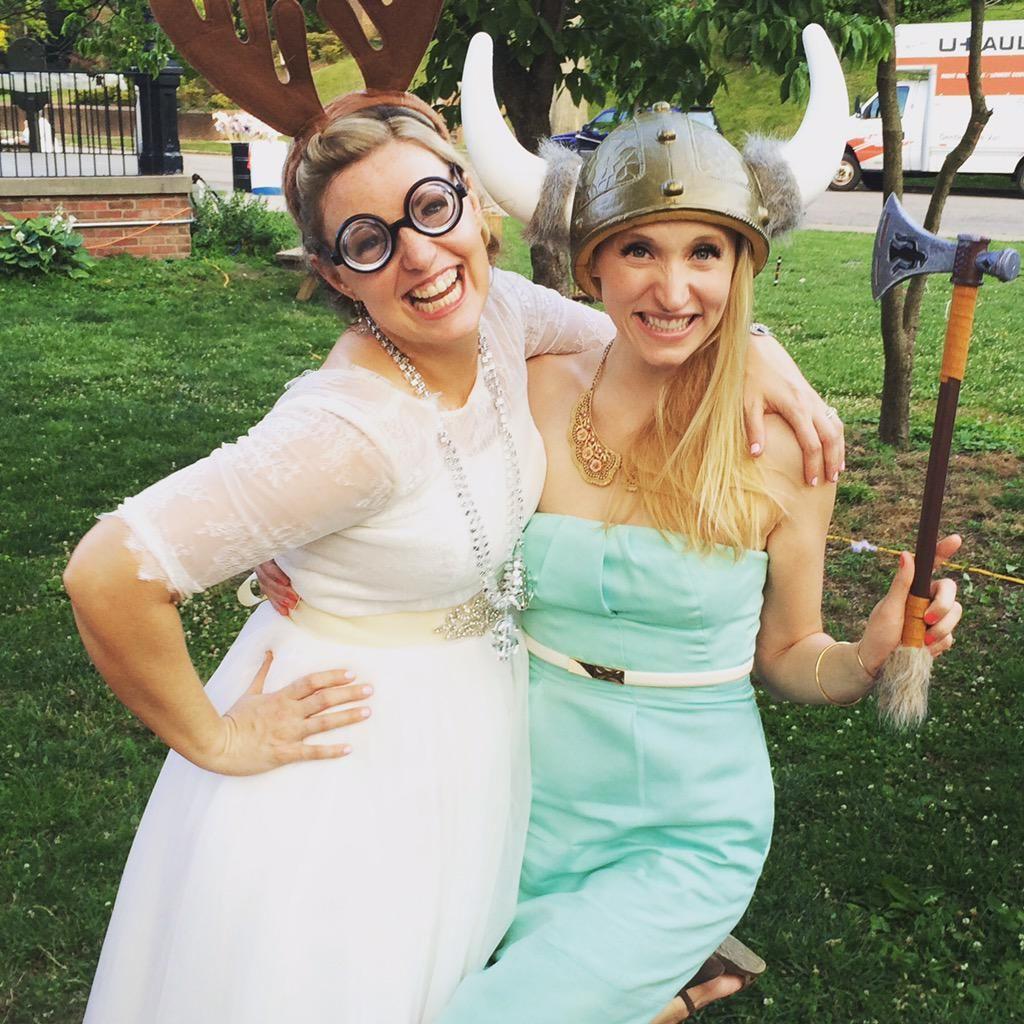 Pioneer woman food network cancelled - Food Network Gossip Damaris Phillips Got Married Over The Weekend