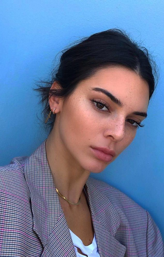 How to Get a Skincare Routine Like a Celebrity (Without the Celebrity Price Tag!)