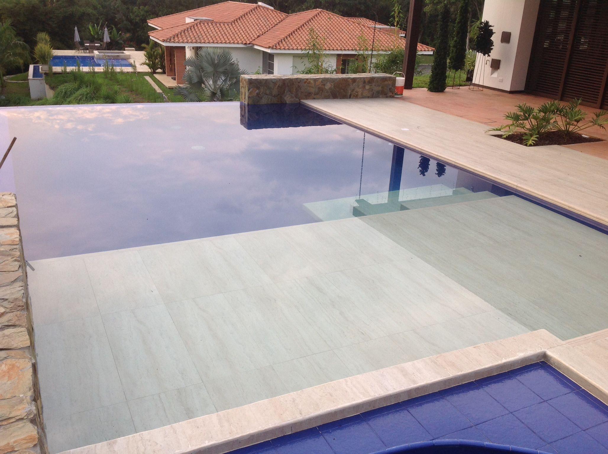 Piscina con jacuzzi en horizonte perdido propiscinas - Comprar piscina prefabricada ...
