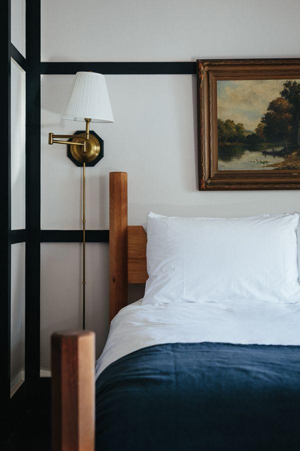 Motel Room Interiors: Room - Brentwood Hotel, Saratoga Springs, NY