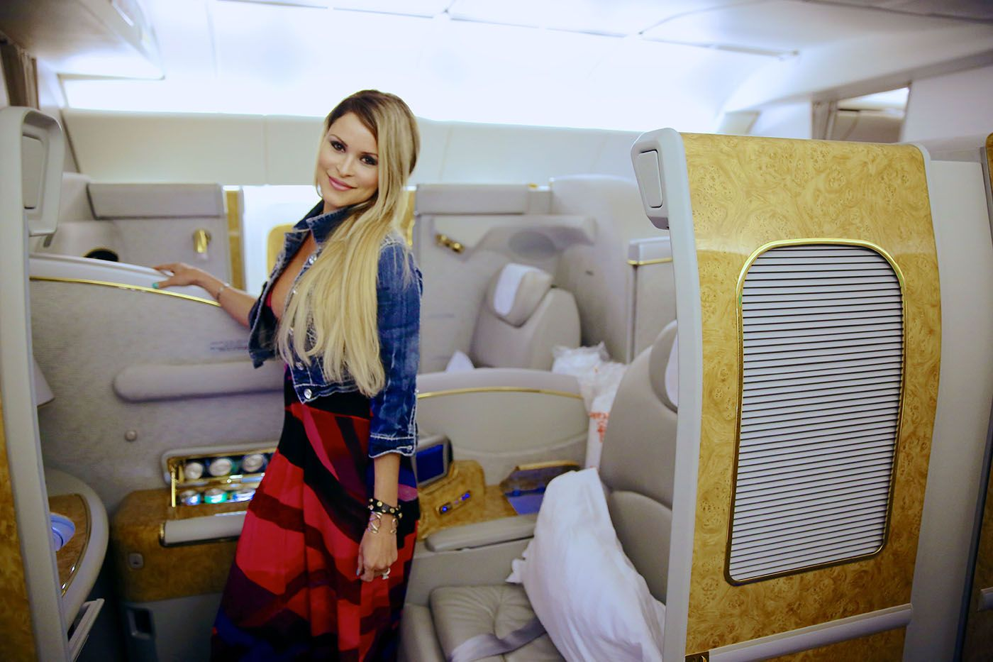 A Review of Flying First Class on Emirates Boeing 777300ER