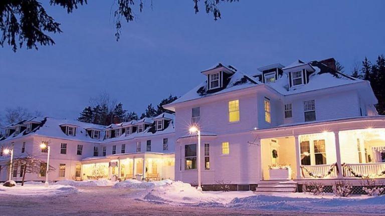 28 Stunning Off The Grid Destinations You Should Escape To Asap Washington Resorts Mount Washington Hotel Mount Washington New Hampshire