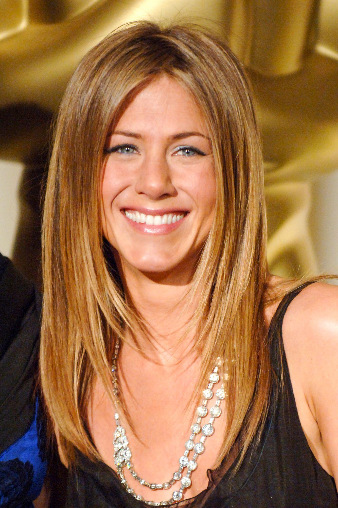 Jennifer Aniston Hairstyle 25 Style Personified Jennifer Aniston