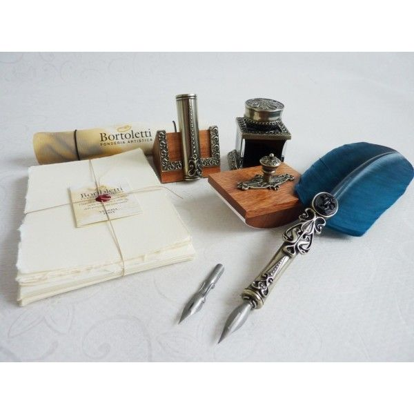 https://calligraphyarts.co.uk/shop/de/kalligraphie-kugelschreiber/326-feather-dip-pen-kalligraphie-briefpapier-satz.html