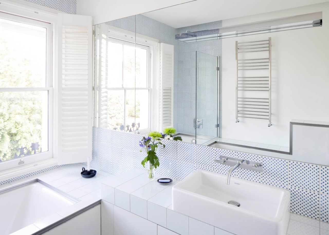 Beautiful bathroom! made a mano Komon K./3 tiles madeamano.com ...