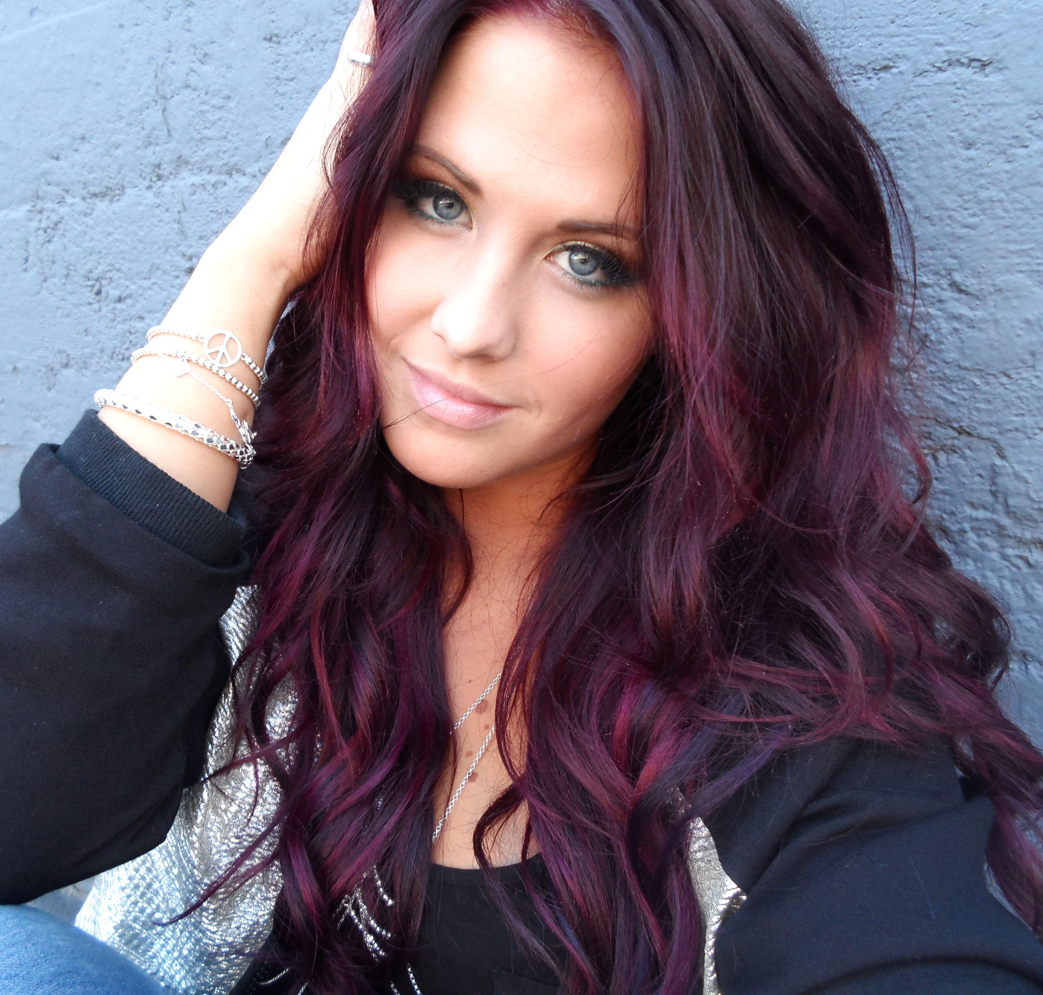Molly Sandén, Swedish singer, born 1992.