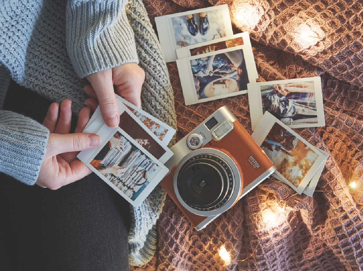 Polaroid Camera Urban Outfitters Uk : Urban outfitters uo diy decorating with instax