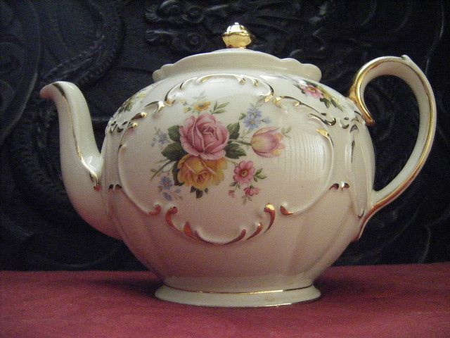 Vintage Tea Pots from Vintage Tea Sets