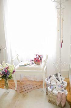 Elementos decorativos para hacer un vestidor en una habitación | Petite Girl