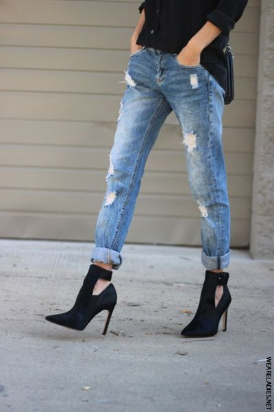 1dfdba1a491 How To Style Girlfriend Jeans in 2019