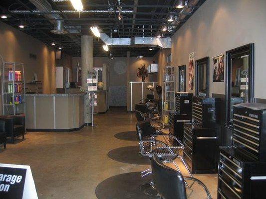 Garage Hair Salon Ideas (5)